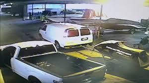 North Miami Beach thieves