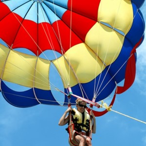 parasailing accident